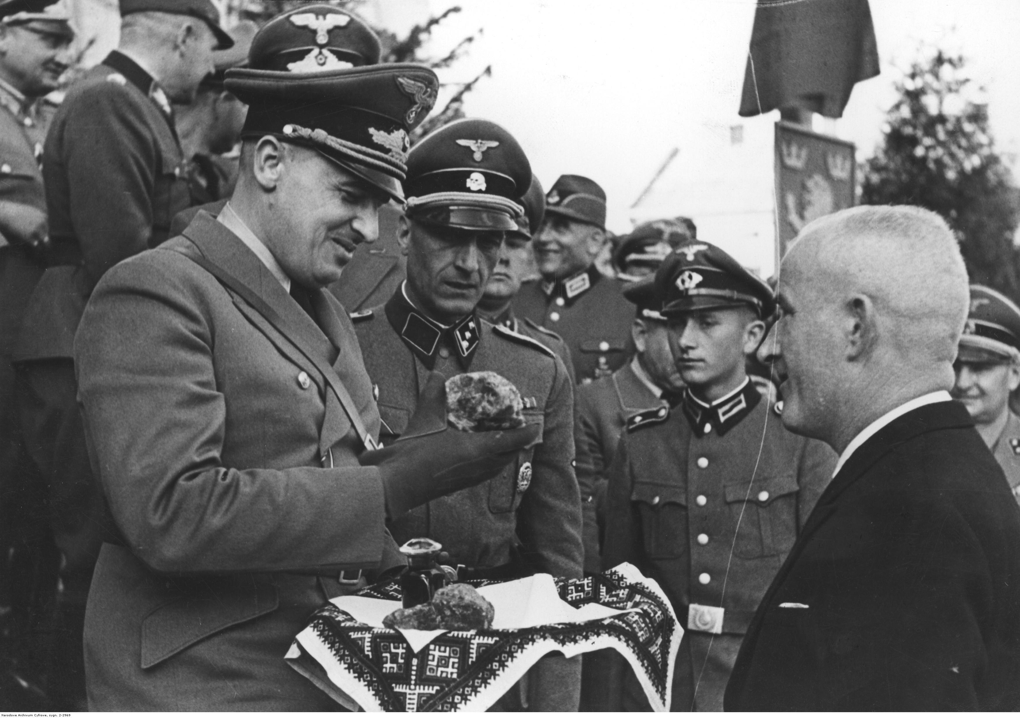 Украинцы встречают немцев фото